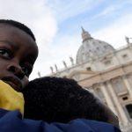 Papa pede 'proteção, defesa e integração' de crianças migrantes