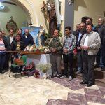 Terço dos homens junto a imagem de Nossa Senhora da Abadia