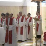 Papa na Casa Santa Marta: o bispo é um servidor, não um príncipe